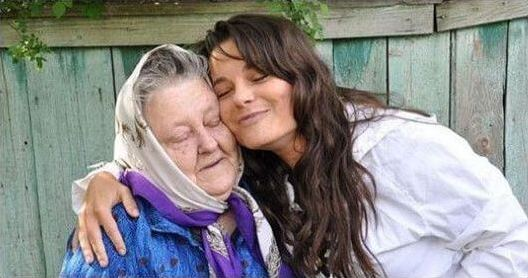 Королева с бабушкой